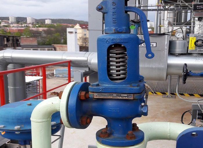 فشار سیال در عملیات هات تپ فشار سیال فشار سیال در عملیات هات تپ Pressure relief valve DN25 on cooling water 700x510